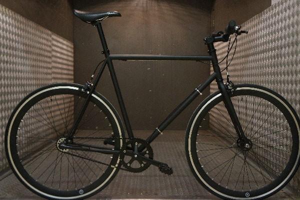 Fabrik Cycles vous présente le bike polo sur fixie