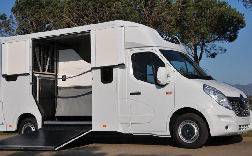 Faites appel à Carrosserie Ameline pour vos besoins en camions pour chevaux