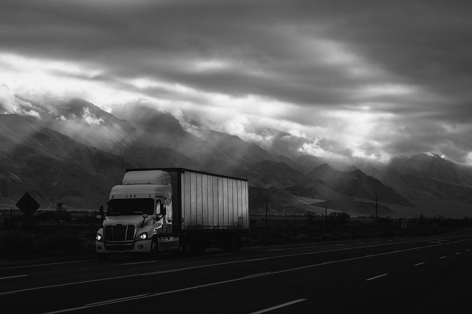Découvrez la solution Track and Trace d'Acteos, qui vous permettra de suivre tous vos véhicules en temps réel.